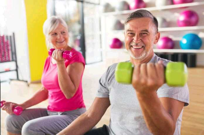 elder-couple-workout
